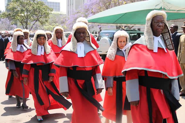 judges-procession